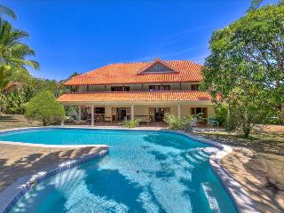 Villa Pacifica - tropical garden villa