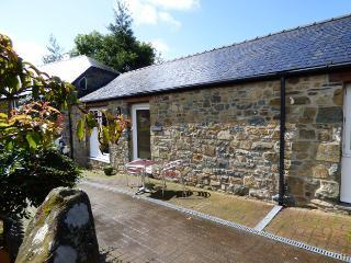 Carreg Las, Gellifawr Cottages, Fishguard