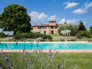 Villa Borgonuovo, marvelous example of the traditional tuscan farmhouse.