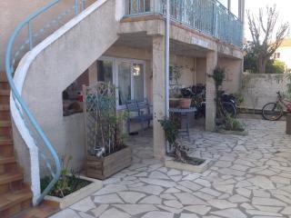 Chambre chez l'habitant, village proche mer, Agde