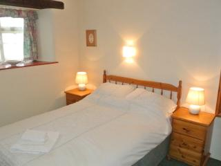 Ground Floor Beamed Cottage in Hamlet Near Coast, Crackington Haven