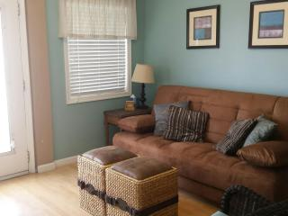 North Wildwood Condo, 2BR+1BA, Swimming Pool, Nice
