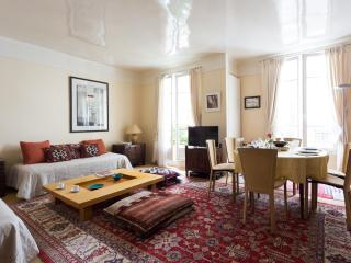onefinestay - Square de Port-Royal apartment, París