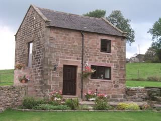 Roaches Cottage under the dramatic Roaches Edge., Upper Hulme