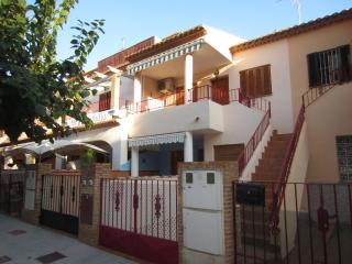 Spacious Holiday Apartment - Centrally situated, Los Alcazares
