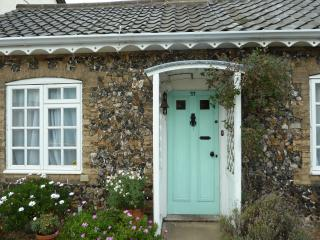 FLINT COTTAGE - Single-Storey 4* Holiday Cottage,