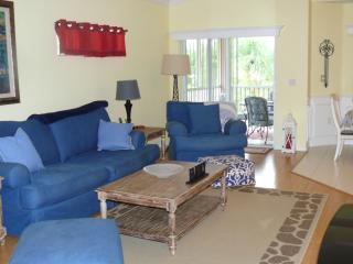 Fully stocked S Ft Myers Condo, Fort Myers