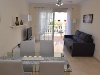 Lovely and confortable  with terrace WI FI free, Palm-Mar
