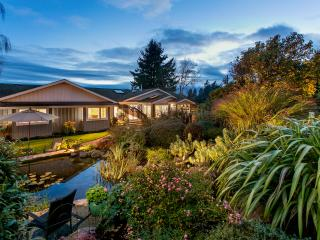 Beautiful Private Estate Spectacular setting, Victoria