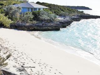 Ocean view secluded beach villa, Staniel Cay