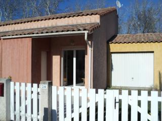 3 Bed Holiday Home + Terraces Only 150m to Beach, Vias