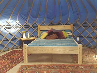 New Kingsize bed