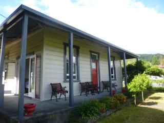 Reefton villa with rainforest views