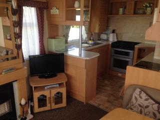 Comfortable 6 berth caravan, Ingoldmells, Skegness