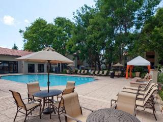 2BR Luxury Furnished Silicon Valley Apt + Pool, Santa Clara