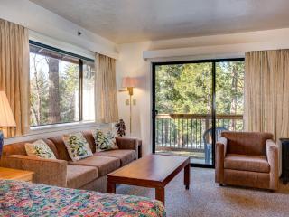 Yosemite Cozy Corner Condo is Comfy, Economical