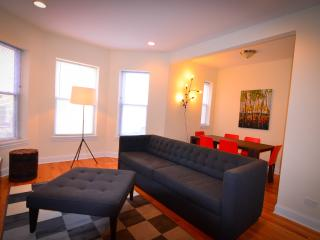 2000+ SF Duplex, Perfect for Large Groups!, Chicago