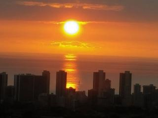 Come to paradise and relax! Enjoy glorious views!, Honolulu