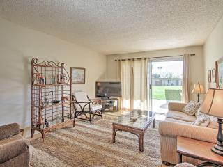 Central Borrego Springs Condo w/ Pool & Hot Tub!