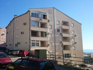 36975 A1(4+2) - Makarska