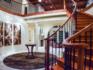 Stunning Forest Villa--Corporate Events, Weddings, Portland