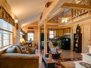 'The Good Life' romantic, cozy getaway.  Adk. Mtns.