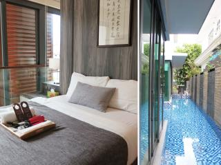 Luxury suite roomEZS-2 max 3pax*Near MRT*with pool, Singapur