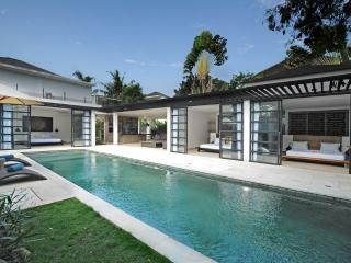 Contemporary Luxury 3 Bedroom in Umalas, Canggu