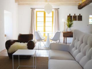 Maison Craux - Petite Maison, Saint-Sauveur-de-Montagut