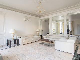 Luxury Champs Elysees Apt 250 sqm