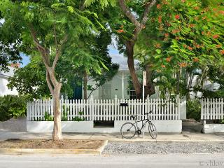 Caribbean Cottage ~ Duval Street Key West ~ Weekly Rental