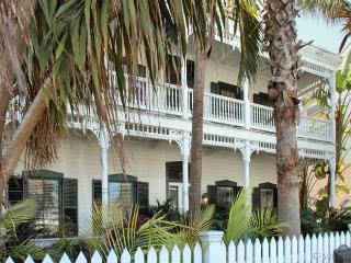 Classic Key West Estate ~ Weekly Rental
