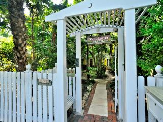 Elegant Key West Tree House ~ Monthly Rental