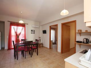 Tolo Apartment for 4 persons close to beach, Tolon