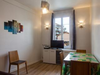 Appartement plein sud, climatise, avec grande terrasse