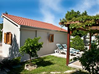 House with garden perfect for a family holiday, Split