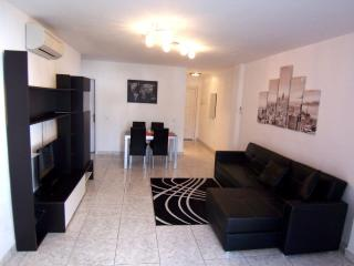 Sunset Bay - Self Catering 2 bed, 2 bath apt., Costa Adeje