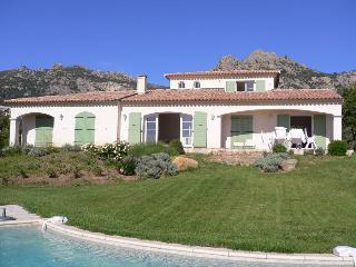 Charming villa opposite the Gulf of Calvi, Lumio