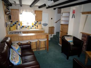Cockle Cottage - Whitby Town Centre - sleeps 4