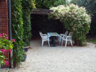 Enjoy eating in the garden.