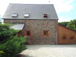 Beautiful converted barn with 3 bedrooms, Tinchebray