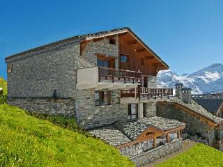 Chill Alp Retreats, MTB & activity catered chalet, Tignes