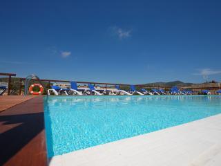 Estudio con terraza,piscina infinity y parquing., Sitges