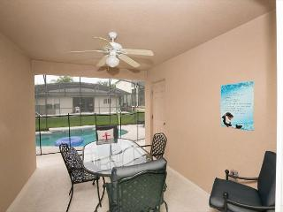 Great 4 Bedroom 3 Bathroom pool home near Champions Gate & Disney World, Davenport