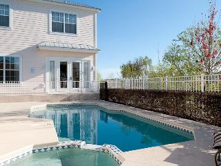 Patriots Haven - 4/3.5, Private Pool/Spa, FREE Waterpark Access