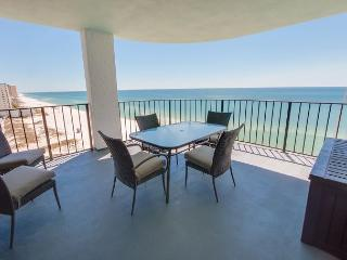 [FREE TICKETS to Local Attractions.  Large Private Balcony and Gulf front!, Panama City
