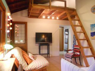 Stylish and Comfy House in Lagoa with Pool, Lagoa da Conceicao
