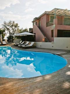 2 Bedroom Luxury Apt with Private Pool.