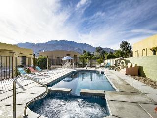 Sun-Soaked & Spacious in Palm Springs – Sleeps 6