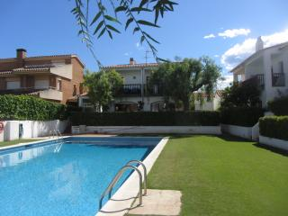 Sea Side Villa with Pool close to beach, Sant Pere de Ribes